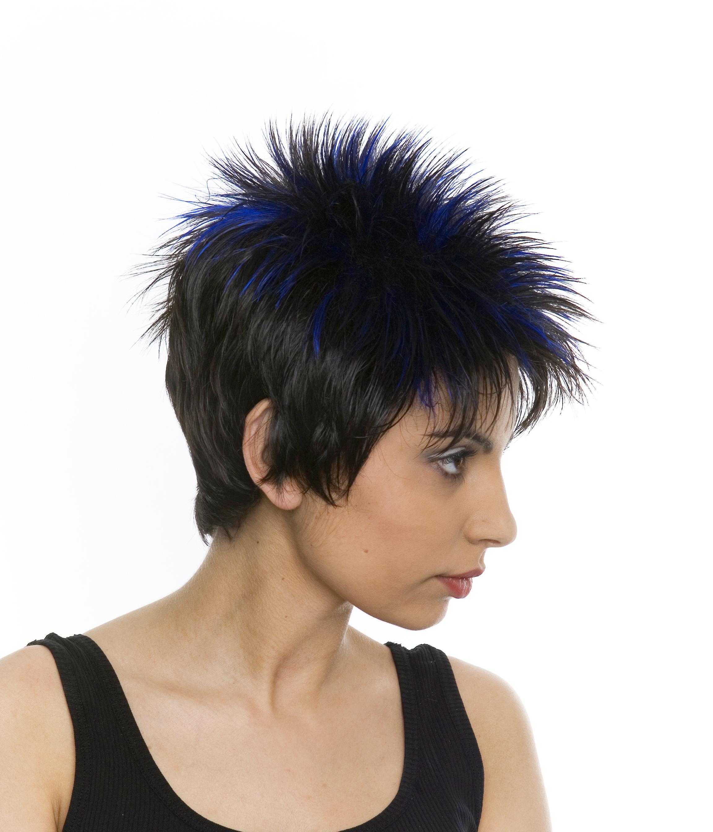 Które produkty perukarskie polecamy na Sylwestra?